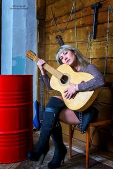 А не сыграть ли вам друзья на гитаре...))) / Без описания