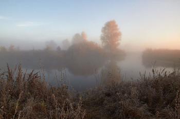 Без названия / озеро,туман,рассвет