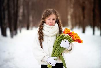 Девочка с тюльпанами / модель Юлиана Смирнова  причёска Галина Князева