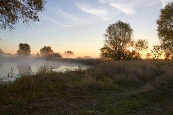Рассвет. / рассвет,туман,озеро