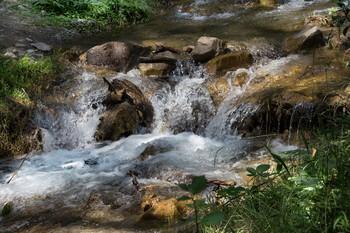 Ключевая вода / Снимок сделан в одном из живописном районе Азербайджана. Огуз.