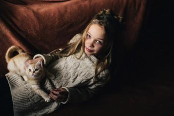 С котёнком / модель Ангелина Табакова причёска Галина Князева