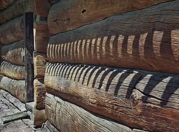 Старое теплое дерево... / Старинное деревянное зодчество надо сохранять !