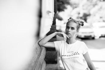 На солнце и в тени / модель Даша Басина причёска Галина Князева