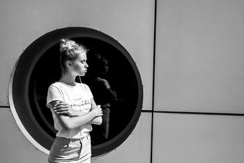 В круге / модель Даша Басина причёска Галина Князева