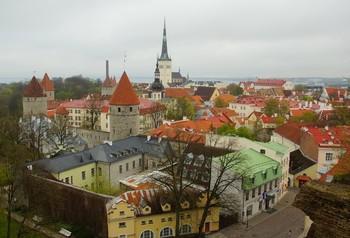 Крыши весеннего города... / Таллинн