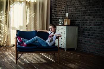 Одна в студии / модель Юлиана Смирнова причёска Галина Князева