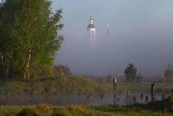 Утро туманное / Вид на храм Николая Чудотворца