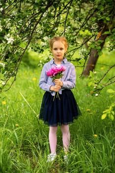 Полина в пионах / модель Полина Верещагина причёска Галина Князева