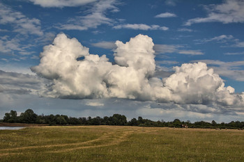 Облака / деревенские пейзажи