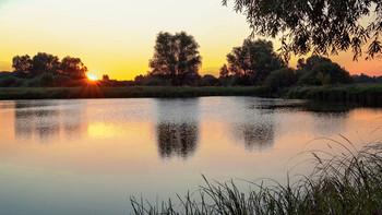 Без названия / рассвет,солнце,озеро