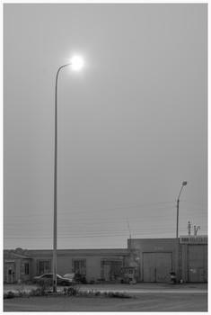 / рассвет сквозь пыльную пелену на северном берегу Балхаша