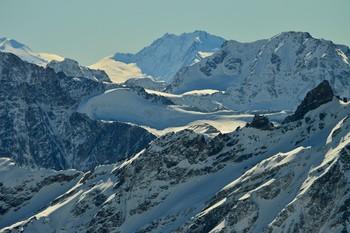 Большой Кавказский хребет....... / Кавказ. Приэльбрусье. Октябрь