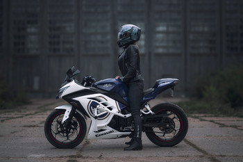 Girls & Moto /