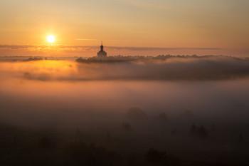 / утро, туман, Гребневская Никольская зимняя церковь