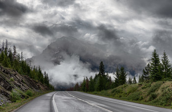Дорога через Скалистые горы / Канада, провинция Альберта