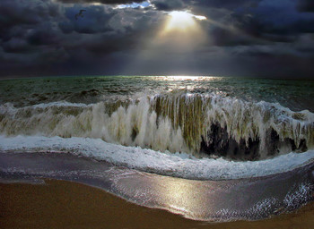 Буря мглою небо кроет... / ...брызги беркутом летят, то как зверь она завоет,  то смеясь нас всех съедят... - :)