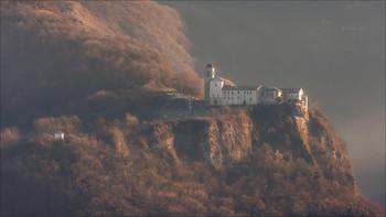 Аббатство Сан Витторе / Сантуарио Сан Витторе и Корона. Местечко Андзу ди Фелтре, провинция Беллуно Италия.