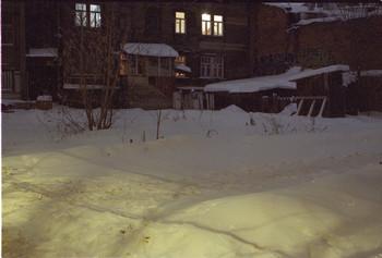 / двор на Звездинке зимой 2018 вечером