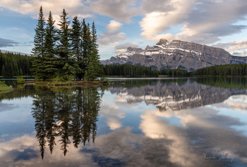 Утренние отражения / Национальный парк Банфф, Канада