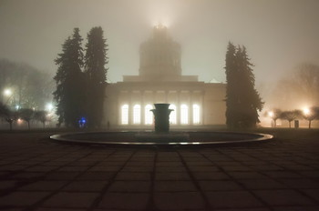 Когда туман опускается на город / На ВДНХ