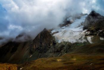 Где-то в горах / у ледника