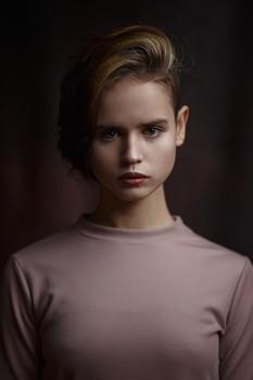 Илария / Портрет девушки