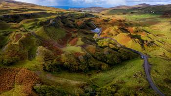 Fairy Glen / Fairy Glen (Сказочная Долина) на острове Скай, Шотландия. Дронопанорама