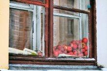 первый снег. а ты по прежнему любишь яблоки / ----