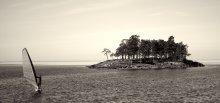 Серфер / Фотография снята на Ладожском озере. температура воды +1°С
