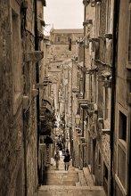 Вверх по улочке, бегущей вниз / Старый город