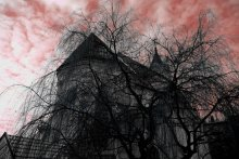 maleficent skies / что-то тревожное нависло над нами....