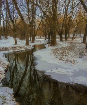 Время,когда маленький ручеёк, мечтает стать полноводной рекой... / почти весна...