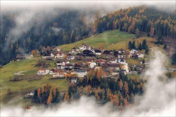 Сквозь туманное окно / Альпийская деревушка Rina,Италия. Canon 1D Mark IV, Tamron SP 150-600mm f/5-6.3 Di VC USD G2, 1/60 ,f/8.0, ISO 200