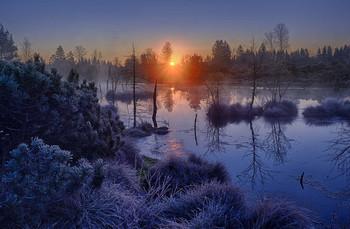 / Kurz nach dem Sonnenaufgang die ersten Sonnenstrahlen eingefangen