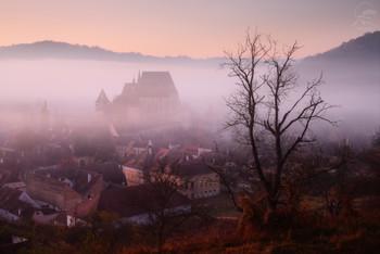 «За тонкой вуалью тумана» / Румыния, Биертан