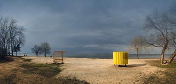 Весна, ещё пустынен пляж... / Беларусь. Заславское водохранилище.