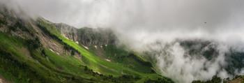 Гуляя в небесах / В горах Красной поляны  http://www.youtube.com/watch?v=qdoSy4ROZpg