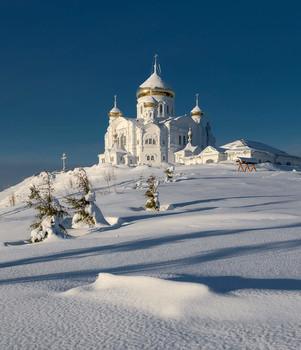 Утро в Белогорье / Пермский край. Белогорский монастырь.