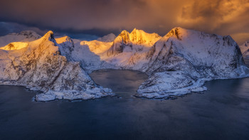 North morning. / Больше моих фото с Норвегии: https://www.instagram.com/yuriyshevchenko