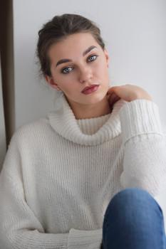 Елизавета / Портрет красивой девушки