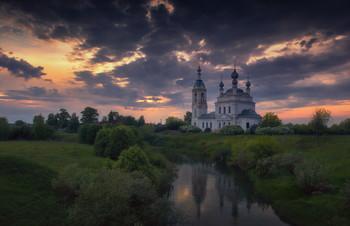 Зажигая небо. / Закат в Савинском, что на реке Устье.