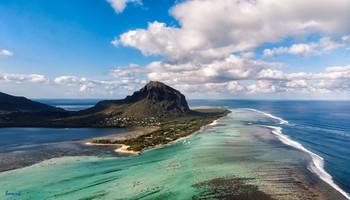 мне сверху видно всё, ты так и знай / панорама из 2 горизонтальных фотографий, остров Маврикий
