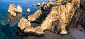 Над скалами Мариньо / Альгавра, Португалия