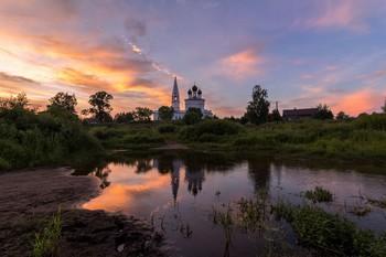 Церковь Казанской иконы Божией Матери в Осенево. Закат / ***