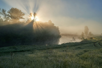 / рассвет,река,туман