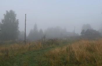 """""""В тумане весь мир словно сонный..."""" / """"В тумане весь мир словно сонный,  Он в мир подарил дремоту.  Рассеянный он и бездомный,  Нагнал на меня он тоску ..."""""""