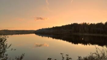 Вечерняя дымка над озером / Вечерняя дымка над озером