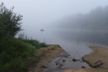 """""""Задымились тумана волокна над прохладой речной..."""" / """"Когда былые дни я вижу сквозь туман,  Мне кажется всегда - то не мое былое,  А лишь прочитанный восторженный роман  И странно мне теперь в томительном покое ...""""  В.Брюсов"""