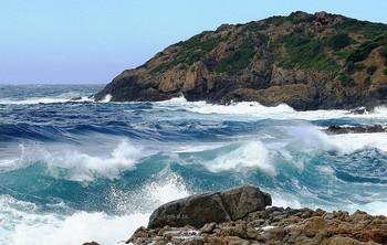 Эта бирюзовая стихия... / Море-вот кто всегда готов выслушать и успокоить мою душу!  Я могу часами смотреть и слушать шум волн и любоваться этой природной красотой...
